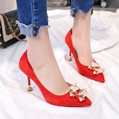 结婚鞋女2020新款水钻珍珠扣尖头高跟鞋细跟婚纱鞋红色新娘单鞋子