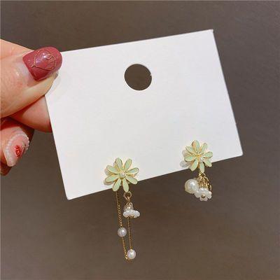 S925银针韩国东大门不对称精致花朵耳环高级感气质个性珍珠耳坠女