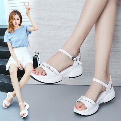 2020夏季新款百搭厚底坡跟凉鞋女士软底一字带舒适防滑学院风女鞋