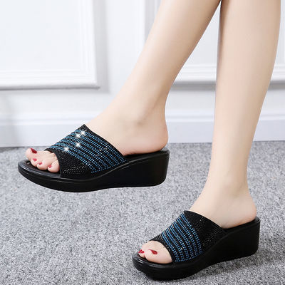拖鞋女夏2020新款外穿松糕厚底坡跟中跟水钻时尚防滑舒适女士凉拖