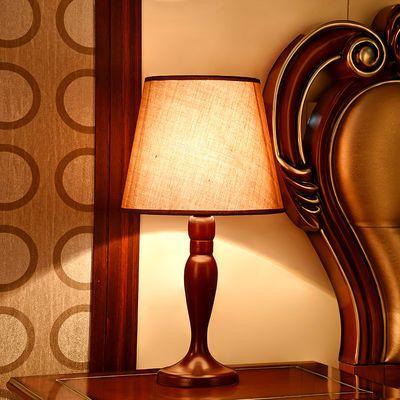 台灯卧室床头简约现代北欧温馨创意时尚家用欧式结婚轻奢装饰灯