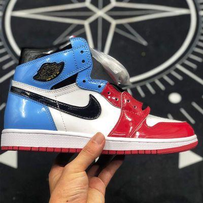 AJ1高帮男鞋黑红脚趾aj1变色龙警灯画报纸女鞋满天星六冠王篮球鞋