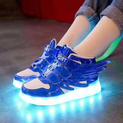 热销春秋防水儿童发光鞋led灯鞋男童翅膀USB充电荧光鞋运动鞋女夜