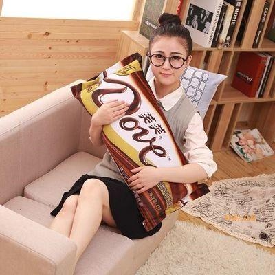 创意零食物抱枕仿真德芙巧克力绿箭长条枕女生睡觉长方形床上搞怪