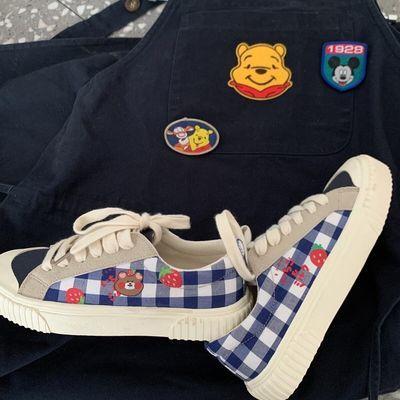 许刘芒原创春夏新款日系可爱百搭蓝色小熊印花帆布鞋格子复古板鞋