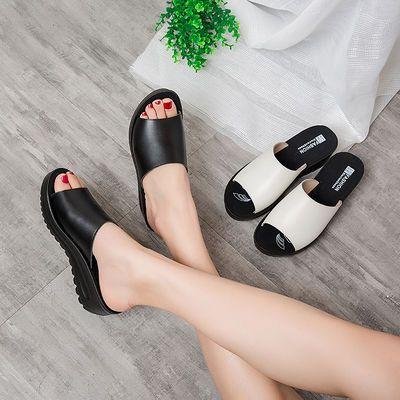 真皮凉鞋女2020夏季新款韩版坡跟厚底平底中跟平底女士外穿凉拖鞋