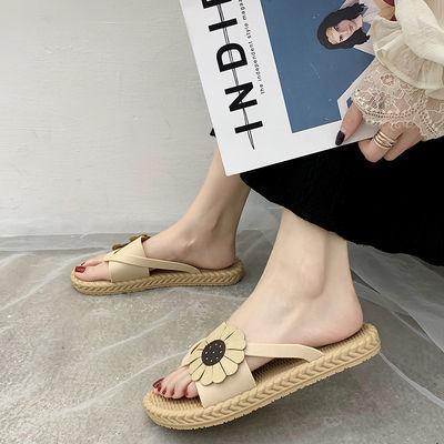 人字拖鞋女外穿新款夏季百搭韩版半平底防滑花朵夹趾网红潮流凉拖