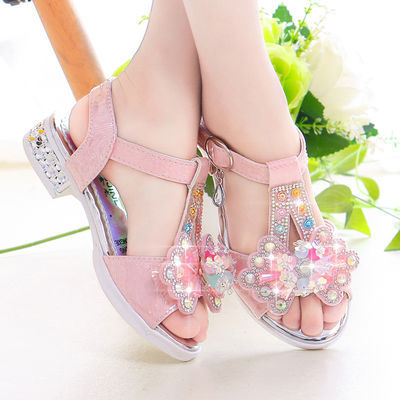 女童水晶凉鞋2020夏季新款韩版网红时尚公主软底中大童亮灯高跟鞋
