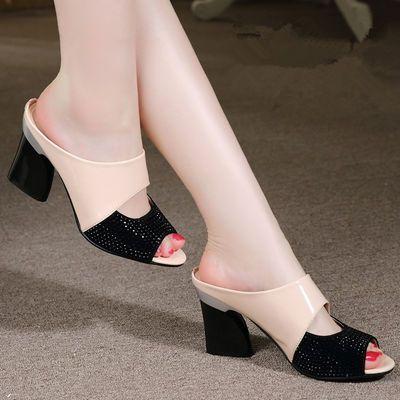 高跟拖鞋女2020夏季中跟新款鱼嘴女鞋罗马粗跟凉拖漆皮工作女凉鞋