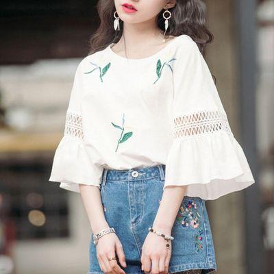 时尚半袖夏季镂空蕾丝喇叭袖上衣女宽松大码五分袖短袖打底T恤潮
