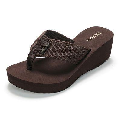 宝人拖鞋外出高跟夏季时尚女鞋坡跟夹脚外穿人字拖厚底网红凉拖女