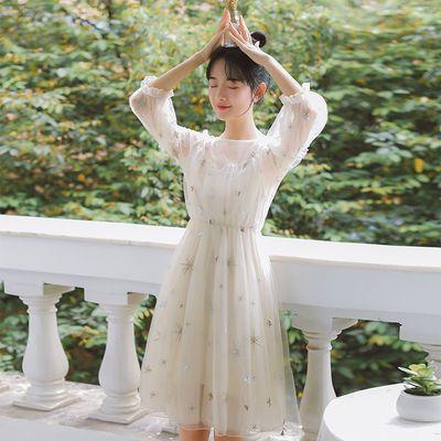 超仙的星星刺绣网纱仙女裙2020韩版新款学生圆领收腰灯笼袖连衣裙