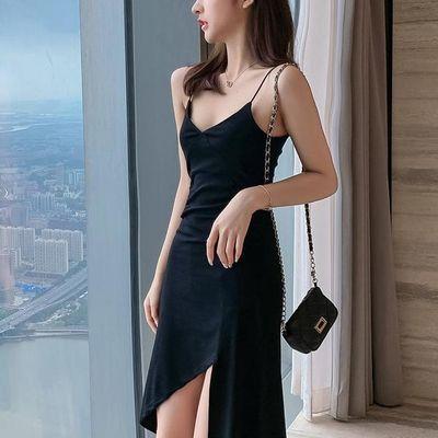 黑色吊带裙女夏2020新款流行赫本风小黑裙不规则性感连衣裙修身