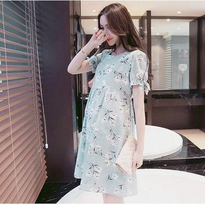 夏季薄款宽松时尚哺乳装连衣裙可喂奶产后孕妇月子服外出短袖长裙
