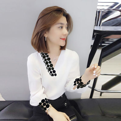 爆款白色衬衫女长袖2020春装新款潮欧洲站v领气质小众设计感雪纺