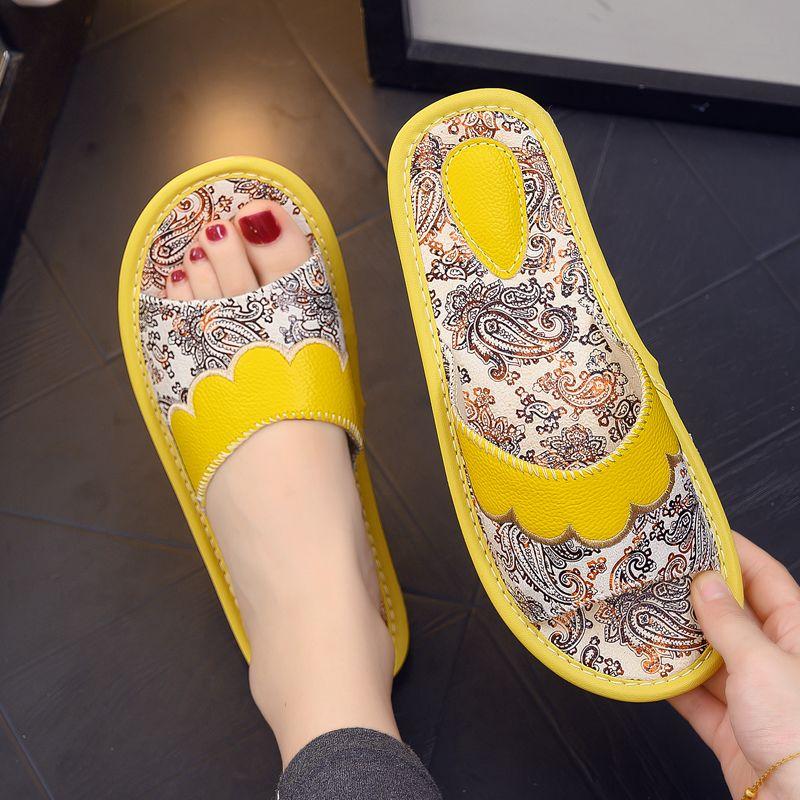 欧式印花真皮凉拖鞋男女夏季家居家用室内防滑防臭软底一字皮拖鞋