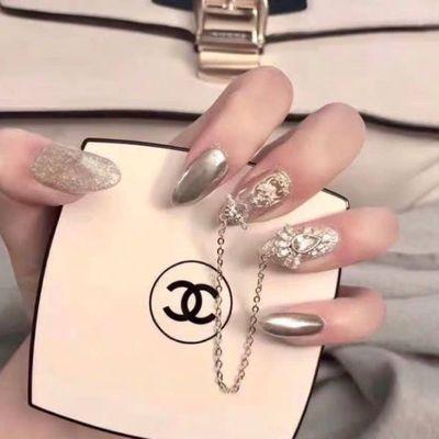 6成品美甲贴片假指甲片穿戴可拆卸日系轻奢华浮夸张乳白银闪长款
