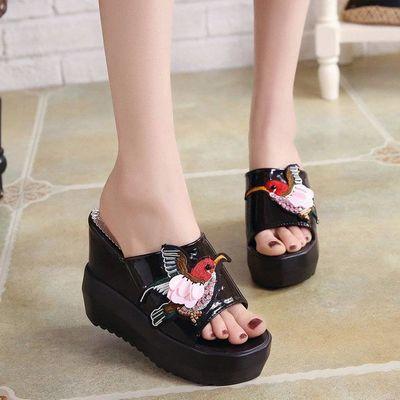 厚底夏季新品漆皮小鸟款超高跟圆头10厘米拖鞋时装女鞋坡跟凉鞋