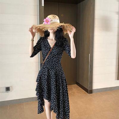 夏装2019新款桔梗法式不规则连衣裙女V领收腰波点复古中长款a字裙
