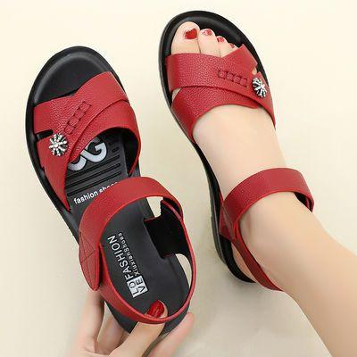 妈妈凉鞋真皮平底40岁软底防滑50中年老人奶奶中老年女夏2020新款
