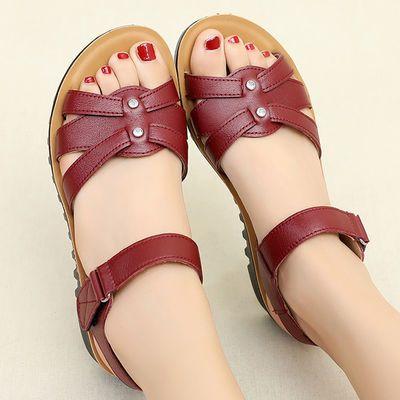 真皮妈妈鞋凉鞋女鞋夏季平底中年软底妇女中老年奶奶老人防滑舒适