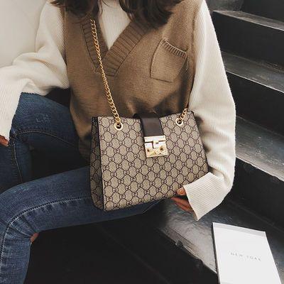 包包女2020新款潮韩版简约百搭锁扣链条包时尚大气单肩斜挎杀手包