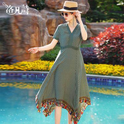 洛凡诗v领波点连衣裙女中长款2020夏季新款不规则大摆裙绿色裙子