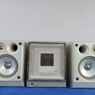 JVC组合音响  JVC变色龙组合音响  CD和MD坏了,卡座正常用。