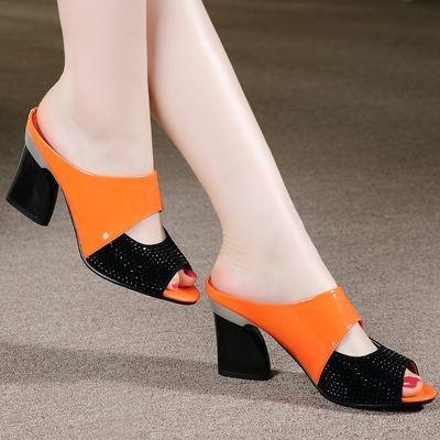 高跟拖鞋女2020夏季新款中跟鱼嘴女鞋外穿粗跟凉拖漆皮工作女凉鞋