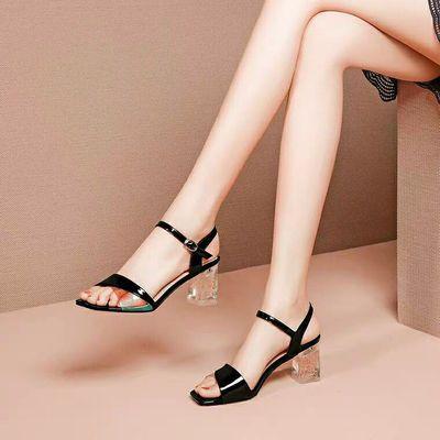 2020夏季新款凉鞋漆皮红色一字扣带粗跟高跟水晶跟时尚韩版女鞋子