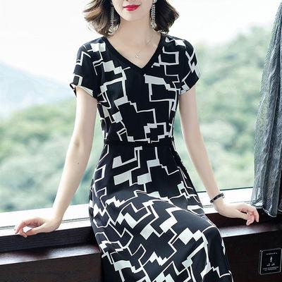 收腰显瘦气质小香风v领裙子2020新款夏高档修身大码减龄款连衣裙