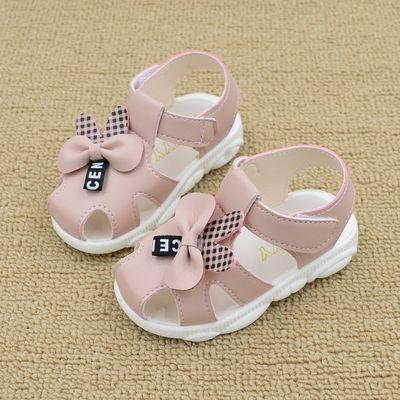 女宝宝凉鞋夏季新款软底防滑儿童叫叫鞋皮面包头学步鞋婴儿公主鞋