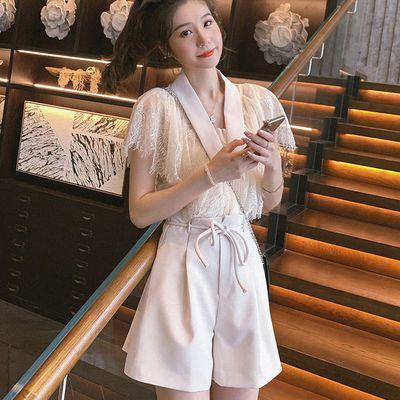 单/套装女夏两件套 洋气小香风杏色小众蕾丝衫女2020高腰西装短裤
