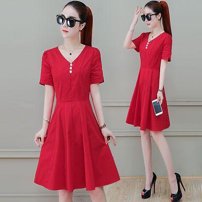 纯色款连衣裙女2020夏季新款收腰遮肚时髦排扣V领气质妈妈装裙子