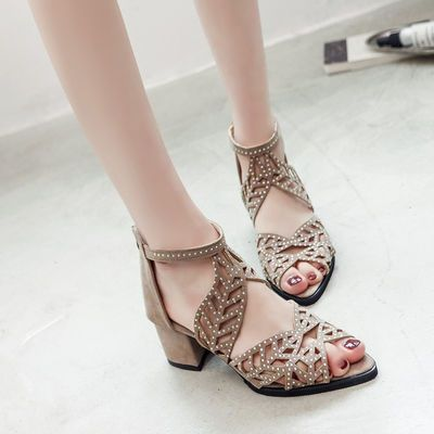 新款夏粗跟绒面罗马凉鞋女水钻镂空鱼嘴鞋后拉链中跟高跟凉鞋大码