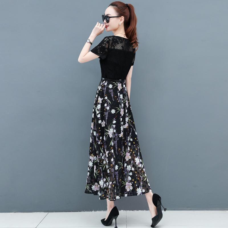 热卖新款2021夏装新款潮大码女装贵夫人碎花蕾丝连衣裙洋气短袖雪