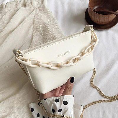 法国小众包包女2020新款复古流行链条小方包简约百搭斜挎小手机包