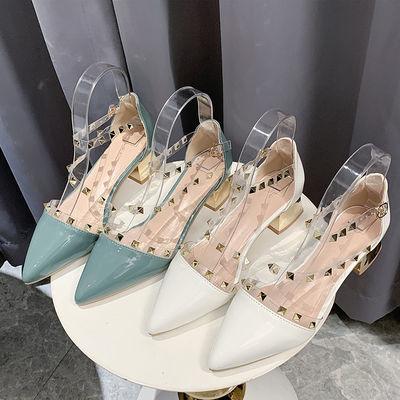 铆钉凉鞋女夏透明一字带包头中空性感罗马漆皮尖头低跟粗跟高跟鞋