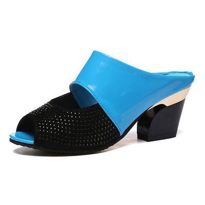 高跟拖鞋女2020夏季中跟新款鱼嘴拖鞋妈妈粗跟凉拖漆皮水钻女凉鞋