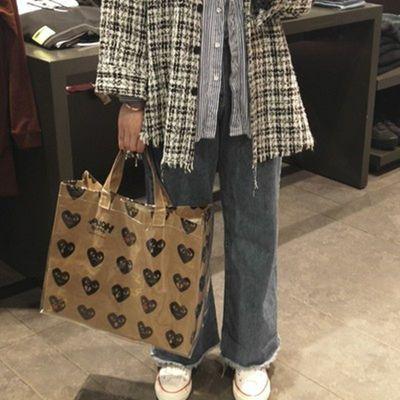 CDG圣诞黑色爱心牛皮纸包购物袋大包恶搞手提包pvc防水包