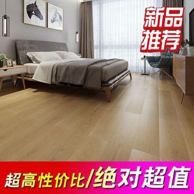 12mm强化复合木地板家用E0级环保防水耐磨原木风客厅卧室厂家直销
