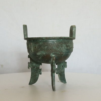 商期龙纹扁足鼎青铜鼎青铜器古董古玩博物馆收藏品复制品包老物件