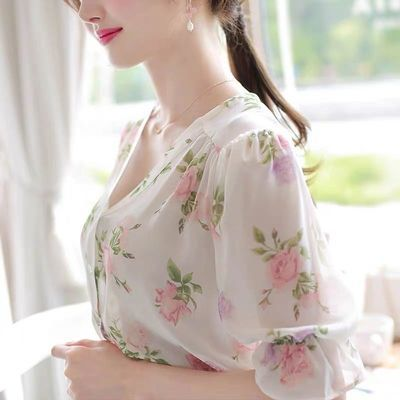 小碎花上衣仙女甜美超仙v领雪纺衬衫短袖2020年新款女春夏装洋气