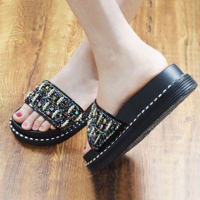 高跟水钻亮片凉拖鞋女夏外穿2020新款百搭时尚铆钉松糕厚底一字拖