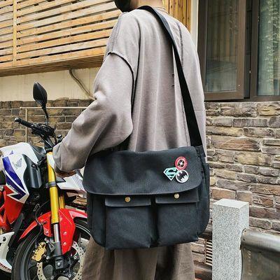 单肩包男斜挎包新款韩版潮流休闲背包学生帆布包日系潮牌男生包包