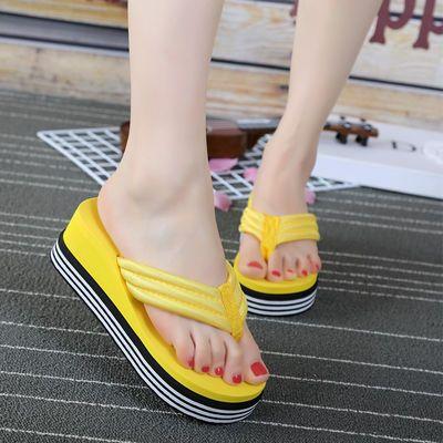 夏季人字拖厚底韩版坡跟新款女士沙滩凉拖鞋高跟外穿夹脚防滑拖鞋