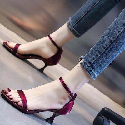凉鞋女中跟5CM细跟韩版网红百搭酒红色低跟一字扣时尚欧美高跟鞋