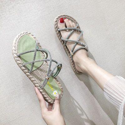 两穿凉鞋女学生韩版2020夏季新款网红水钻沙滩平底防滑百搭凉拖鞋