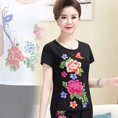 2020年夏季新款女装中年大码民族风纯棉圆领刺绣花显瘦T恤打底衫