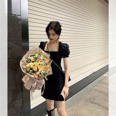 famous2020夏季新品夏日复古法式修身显瘦大方领赫本小黑裙女